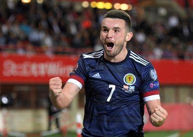 0-1. Escocia mantiene vivo su sueño mundialista