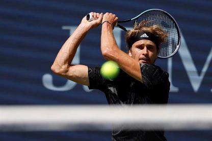 El alemán Zverev y la suiza Bencic acceden a cuartos de final del US Open