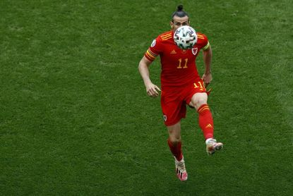 Bale se atasca ante Estonia