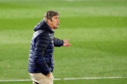 """Pellegrini, pertrechado para """"una temporada más difícil que la anterior"""""""