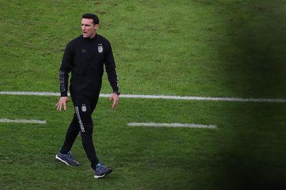 Scaloni ultima detalles y analiza cómo suplir las cinco bajas de Argentina