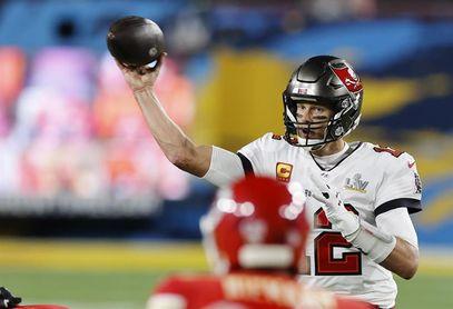 31-29. Brady comienza la defensa del título del Super Bowl con un triunfo