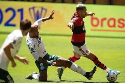 Palmeiras-Flamengo, duelo de titanes al acecho del líder Atlético Mineiro