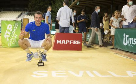 Pedro Martínez Portero se proclama campeón de la Copa Sevilla de Tenis 2021