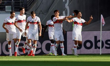 El Stuttgart resucita con diez