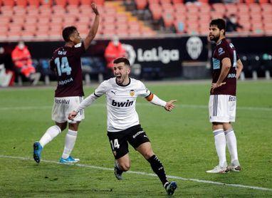 Gayà se reintegra en grupo para empezar a preparar duelo ante el Madrid