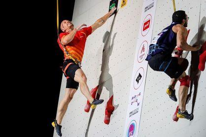 Erik Noya se cuelga la plata en la prueba de velocidad en Moscú