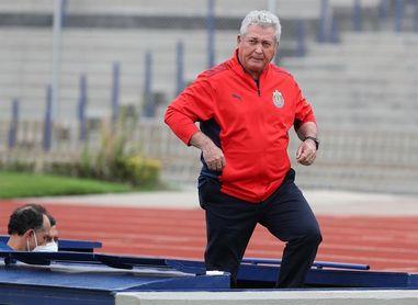 Las Chivas de Guadalajara despiden al entrenador Víctor Manuel Vucetich