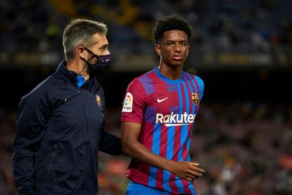 La apuesta por los jóvenes tampoco le sirve al Barça para ganar