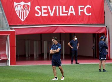 El Sevilla prueba sus dudas ante el nuevo Valencia