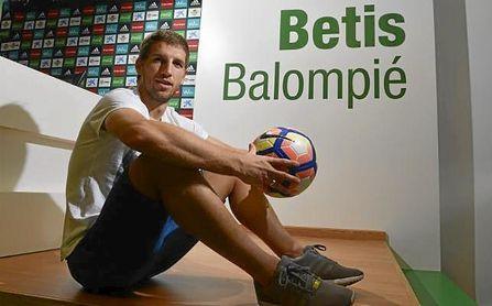 Brasanac: un ex del Betis indispensable en Osasuna