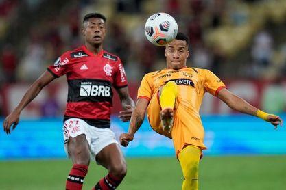 2-0. Bruno Henrique y Diego Alves hacen soñar al Flamengo con una nueva final