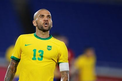 Daniel Alves dice que no fichará por ningún club en lo que resta del año
