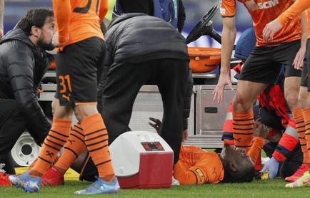Gravísima lesión de Lassina Traoré en el Shakhtar-Inter