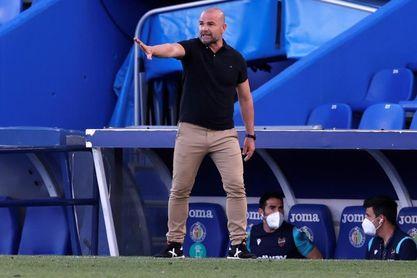 Paco López ya salvó dos situaciones límite en 2019 y 2020