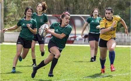 Forma parte del equipo federado de Rugby 7 femenino de la US.