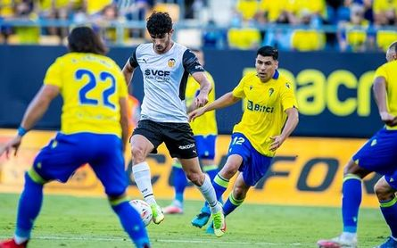 Cádiz 0-0 Valencia: Los che se estrellan contra el muro amarillo