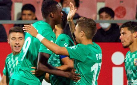 El Almería asalta el liderato de Segunda (1-2)