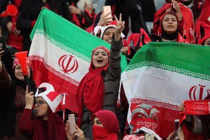 Las iraníes no saben aún si pueden asistir a los partidos de fútbol