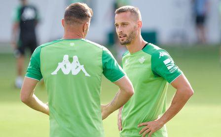 Canales, la buena noticia del entrenamiento del Betis