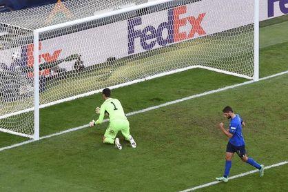 2-1. Barella y Berardi consuelan a Italia