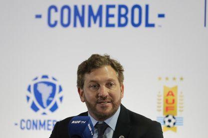 El presidente de la Conmebol defiende a los arbitrajes