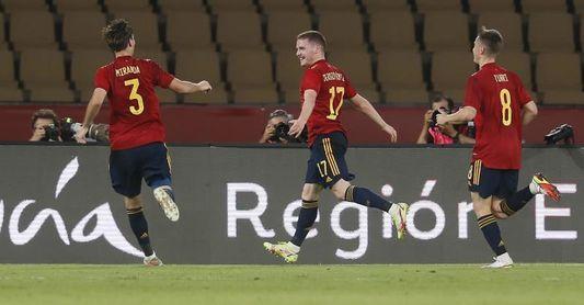 3-0. España sigue con paso firme hacia Eurocopa con doblete de Sergio Gómez