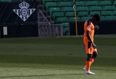 Correia baja en el entrenamiento del Valencia, aún sin los internacionales
