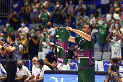 El Unicaja retirará el '10' de Carlos Cabezas ante el Barcelona